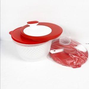 New!!!! Tupperware salad spinner